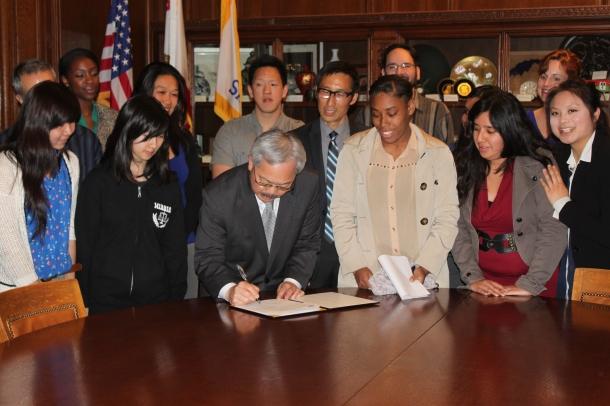 Mayor Lee Signs